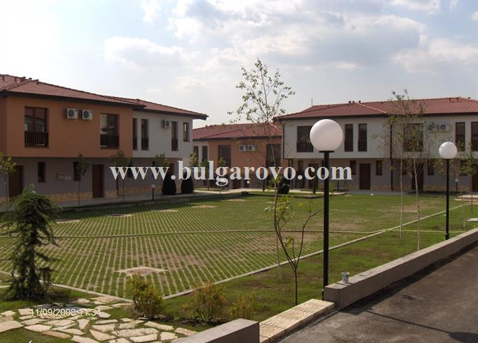 /uploads/realty/properties/ildu2h5zaeo/images/parking_before_villas_small.jpg P-765