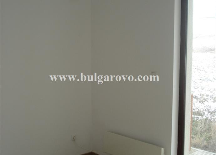 /uploads/realty/properties/zbcjqoom3g4/images/Heating_panel_in_the_Studio.jpg P-401